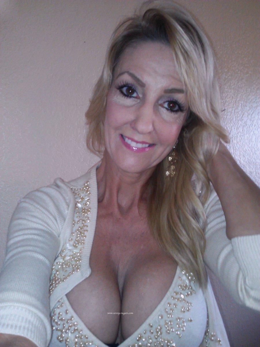 tube Blonde mom