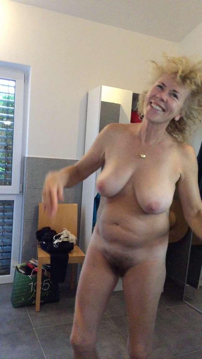 Neue Fotos 2020 Kurze blonde haare porno