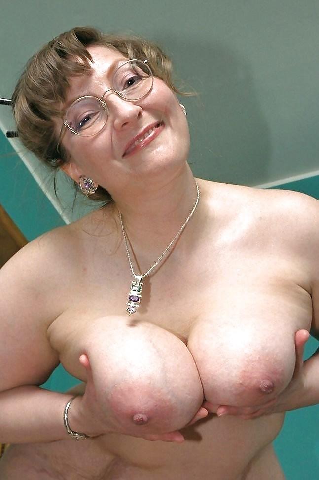 Mature big tits hd