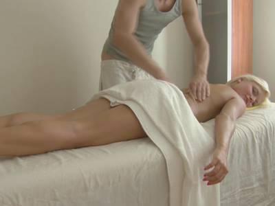 Kostenlose Porno-Bilder & Filme Rene russo nude