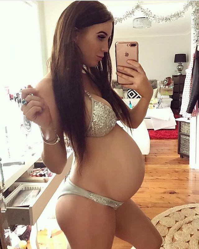 teen Sexy pregnant