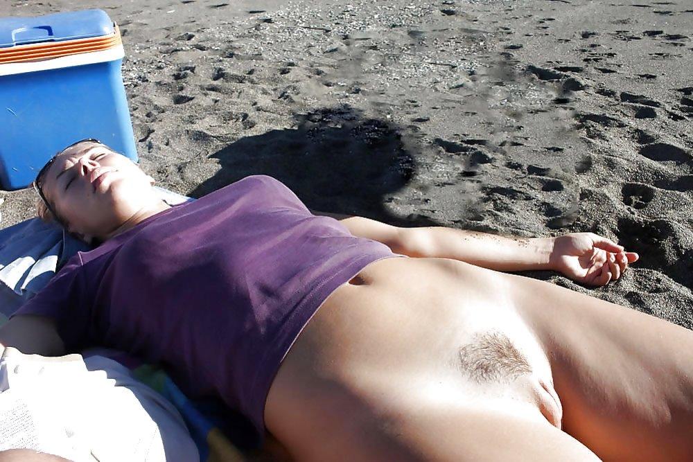 strand Milf nackt am