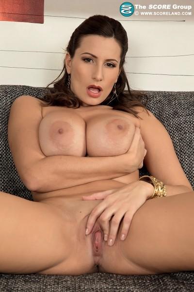 Belia recommend Mia d porn
