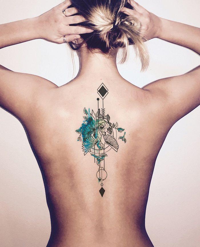 Sex-Fotos umsonst  Tattoo frau rücken