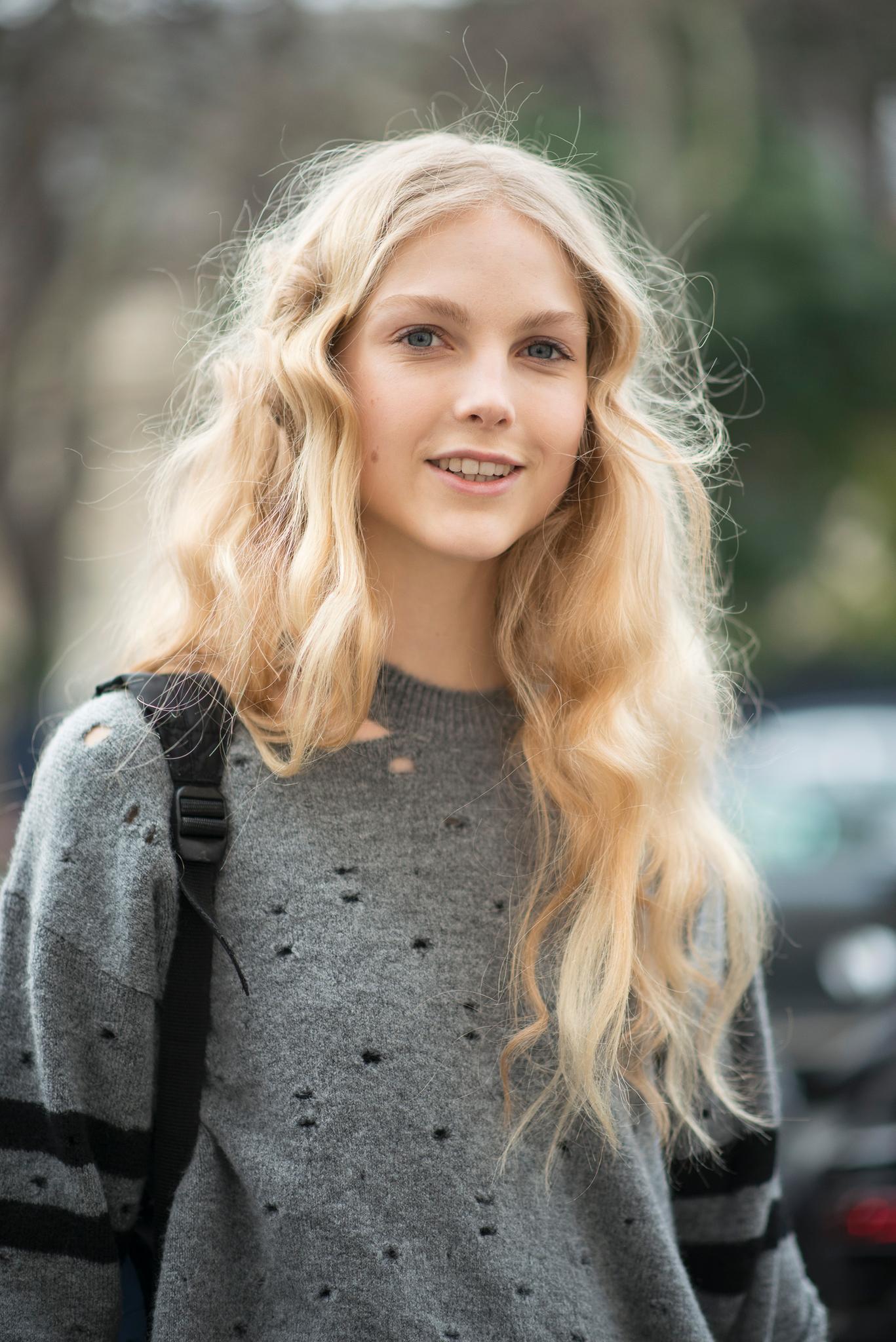 Blonde haare mädchen