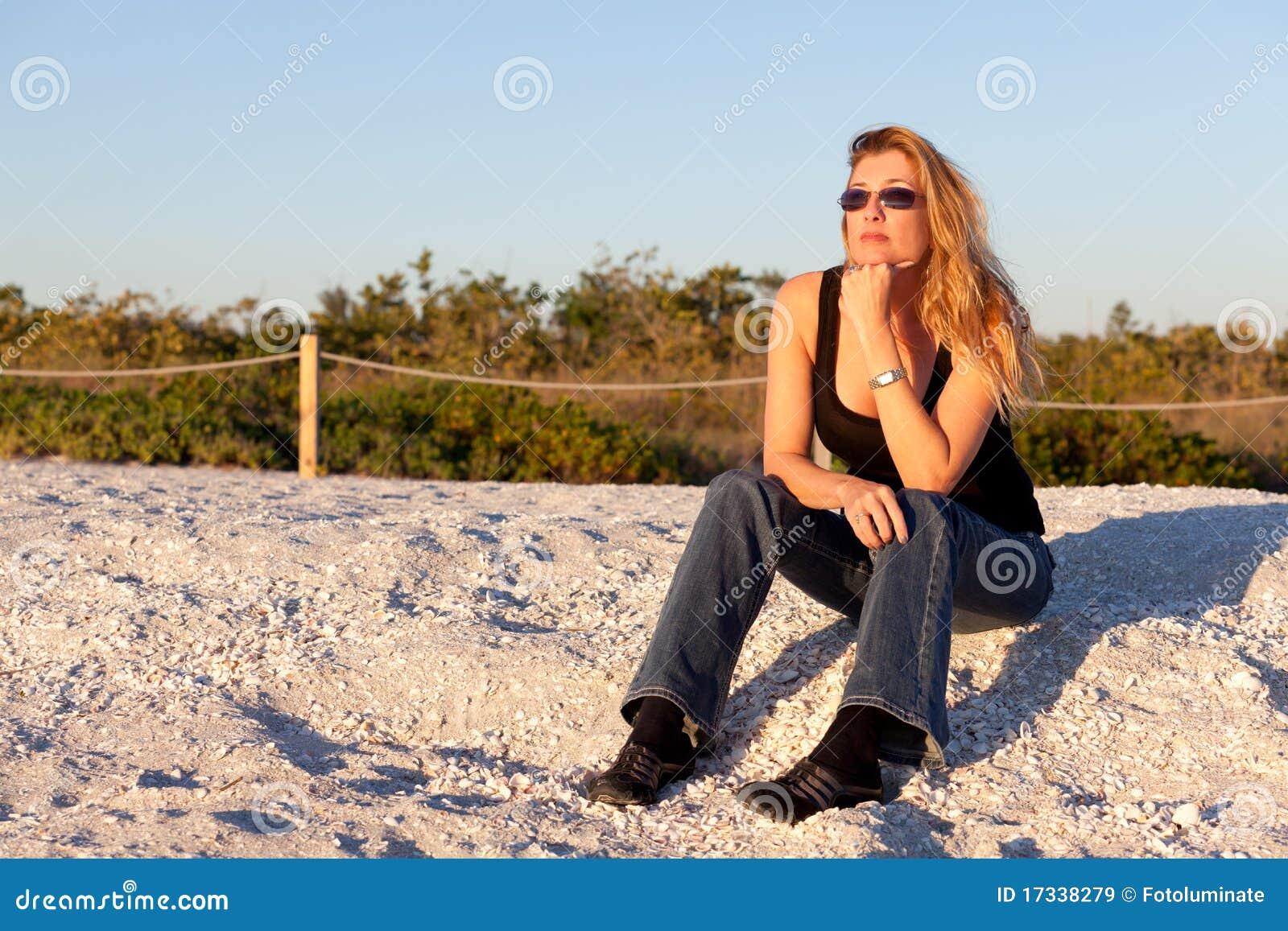 strand am Blonde frau