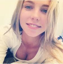 Blonde frau selfie