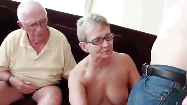 Zwei omas ficken