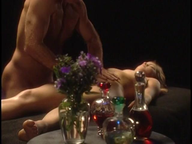Rhiannon recommends Leonie saint pussy