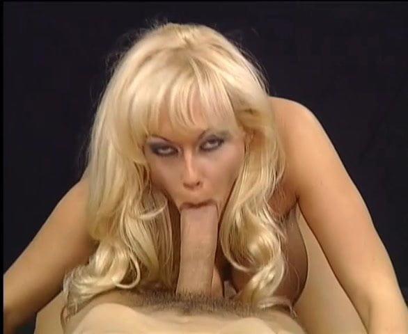 Deutsche Porno Girls in latex