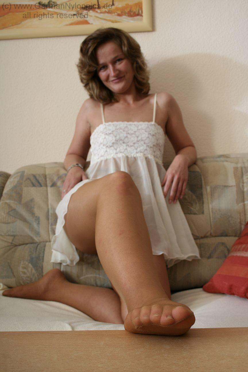 Reife damen in nylons u strumpfhosen