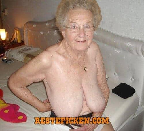 Saggy granny porn